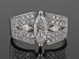 18kt. marquise diamond ring approx. 2.00ct