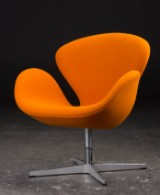 Arne Jacobsen. The Swan easy chair with return mechanism, model 3320