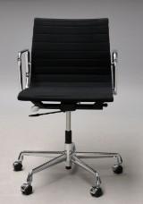 Charles Eames. Office chair, model EA-117, black hopsack
