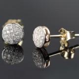 Et par diamantørestikkere af 9 kt. guld