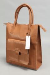 Still Leather Goods. Net i brunt præget læder