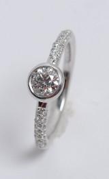 Modern brilliant-cut diamond ring, approx. 0.75 ct.