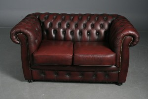 Chesterfield möbel  Möbel Art: Par Chesterfield Sofaer 2- og 3 pers. i bordeaux læder ...