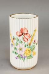 Lyngby. Vase af porcelæn