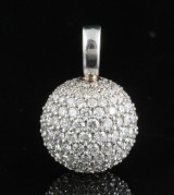 18kt disco ball diamond pendant approx. 2.75ct