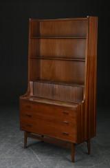 Reol af teak med jalousi, teak, 1960'erne, dansk møbelproducent