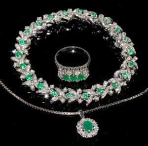 Smaragd schmuck  Set Diamant-Smaragd-Schmuck   Lauritz.com