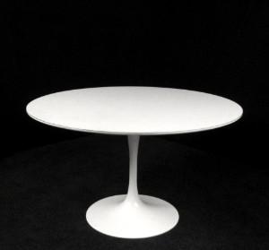 Slutpris f r knoll international beistelltisch for Saarinen beistelltisch marmor
