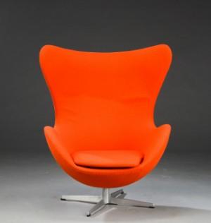 arne jacobsen 39 das ei 39 sessel und fu hocker 2. Black Bedroom Furniture Sets. Home Design Ideas
