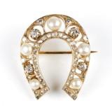 W.A. Bolin brosch 18 k gulde pärlor diamanter