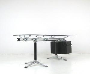 bruce burdick groer schreibtisch in aluminium und glas fr herman miller lauritzcom - Herman Miller Schreibtischsthle
