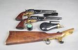 2 Colt revolvere Model 1860 i kal. 44 i kasse med tilbehør.