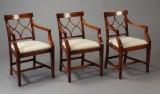 Hepplewhitestil.Onepillar table og tre stole af mahogni (4)