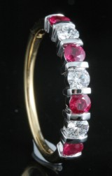 18kt diamond and ruby ring approx. 0.33ct