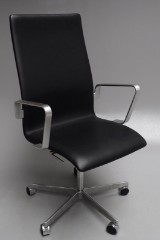 Arne Jacobsen. Oxford office chair, model 3273, Brown Label from 2014