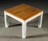 Soffbord med skiva i ek och bemålat, vitt underrede