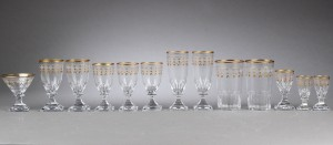 Kosta glas. Samling glas fra Sverige (13) - Dk, Vejle, Dandyvej - Kosta glas. Samling glas fra Sverige bestående af to ølglas H: 13 cm. To champagneglas H: 16 cm. Fem vinglas H: 13-13,5 cm. Et portvinsglas H: 10,5 cm. En champagneskål H: 10 cm. samt to snapseglas H: 9 cm. (13) - Dk, Vejle, Dandyvej