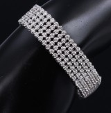 A bracelet, 18 kt. white gold, with brilliant-cut diamonds with exttra link, total approx. 5.60 ct