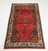 Persisk Arak tæppe. 135 x 230 cm.
