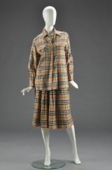 Burberry, nederdel samt skjorte af uld, str. 40