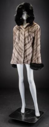Mink coat, silver-blue and blue fox, size 40 / 42, Ole B. Christensen (2)
