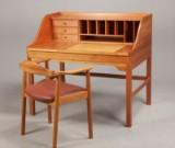 Andreas Hansen. Fritstående skrivebord samt armstol, kirsebær (2)