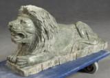 Liggende løve, marmor