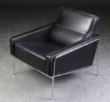 Arne Jacobsen. Lufthavnsstol, 3300, sort læder