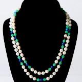 Halsband pärlor med guldlås