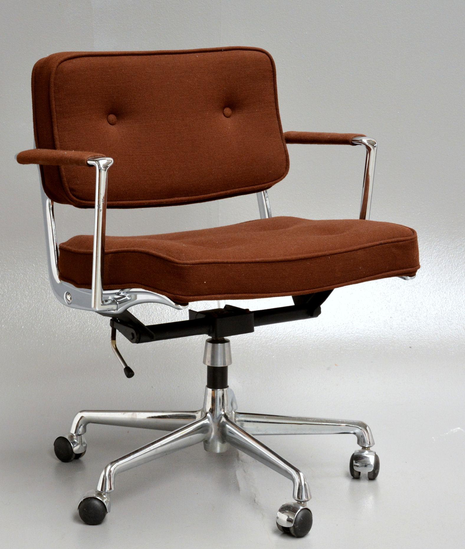 Auktionstipset - Charles Eames. Kontorstol, model ES 102 fra Herman ...