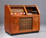 Bang & Olufsen. Radiokabinet, model Standart 506