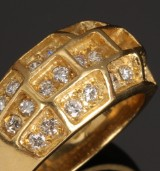 English diamond ring, 18 kt. gold, total approx. 0.78 ct