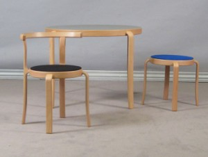 spisebord stol samt skammel 3