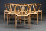 Hans J. Wegner. A set of six chairs, Wishbone Chair, model CH-24, oak (6)