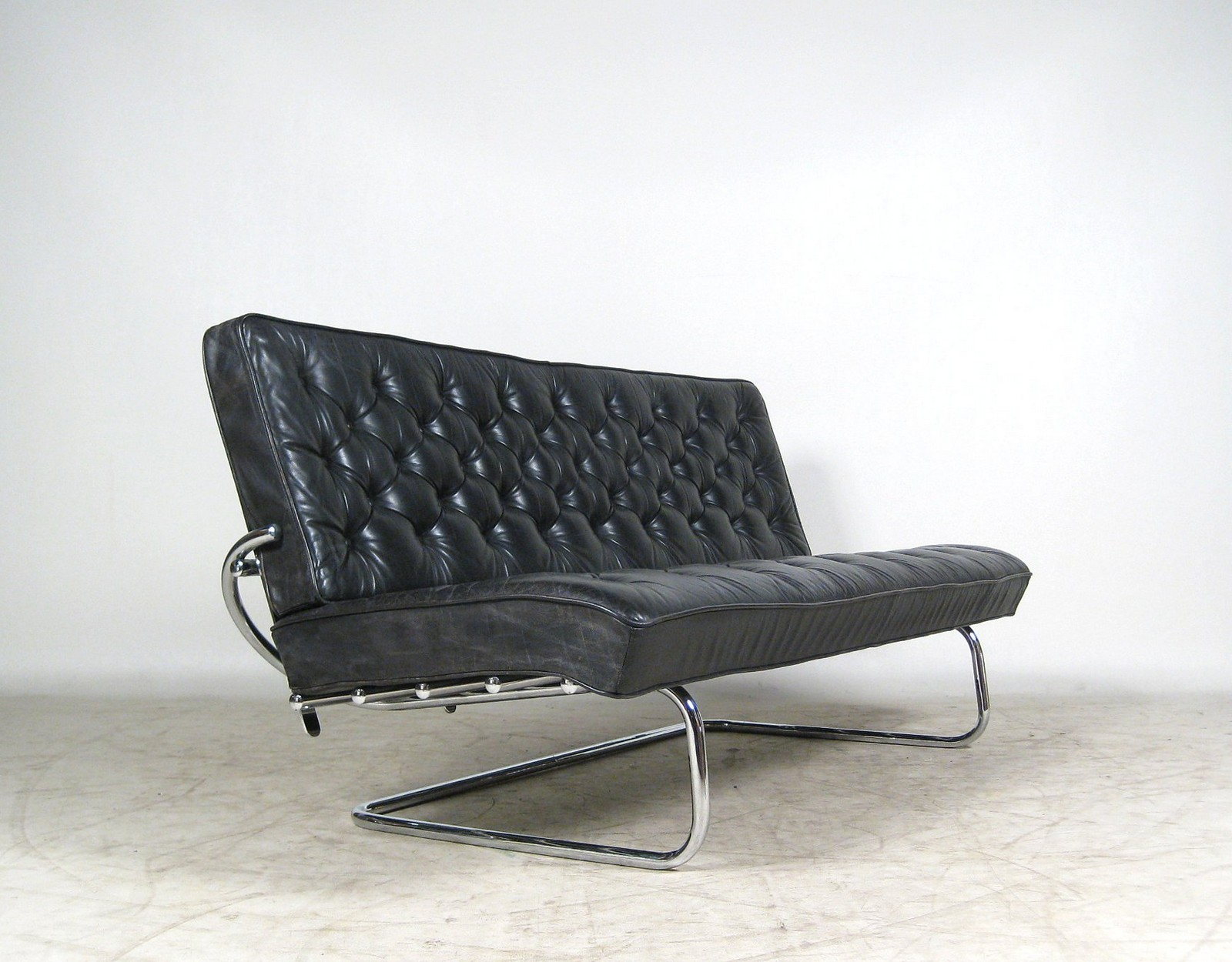 Marcel Breuer, Kragarm Sofa Model F 40 Click Here To See A Larger Picture