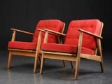 Dansk møbeldesign. Et par lænestole af eg, 1960´erne
