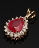 Vedhæng, 9 kt guld med rubin og diamanter