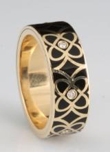 14kt drejelig diamant og emalje ring ca. 0.07ct, ved S.T.diamond <br>