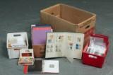 To kasser med frimærker (2)