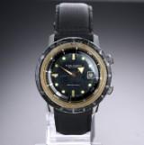 Nivada Grenchen 'Depthomatic'. Vintage dykkerur i stål med sort skive, ca. 1960'erne