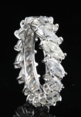 Diamond Marquise-cut evigheden ring, 18kt ca. 5.00ct <br>
