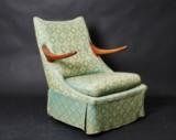 Dansk møbelproducent. Hvilestol med blomstret møbelstof