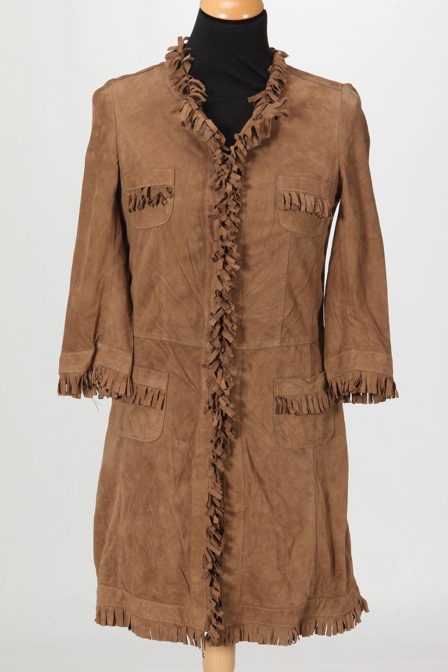 0fd25051b2f Brun jakke med frynser