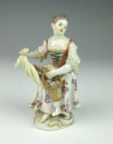 Meissen 'flower girl', c. 1940