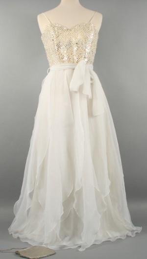 71b6e08c5349 Vera Mont vintage, klänning med paljetter Denna vara har satts till  omförsäljning under nytt varunummer2453508