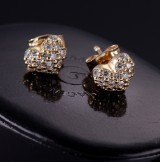 Ole Lynggaard. A pair of 'Hjerte' earrings, 18 kt. red gold with diamonds (2)