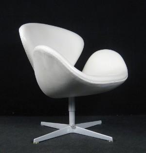 Slutpris För Arne Jacobsen Swan Chair