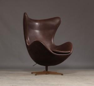 Arne Jacobsen The Golden Egg Model 3316 Anniversary Model