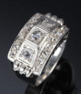 Vintage diamantring af 18 kt. hvidguld med rosenslebne diamanter. 1900-tallets midte