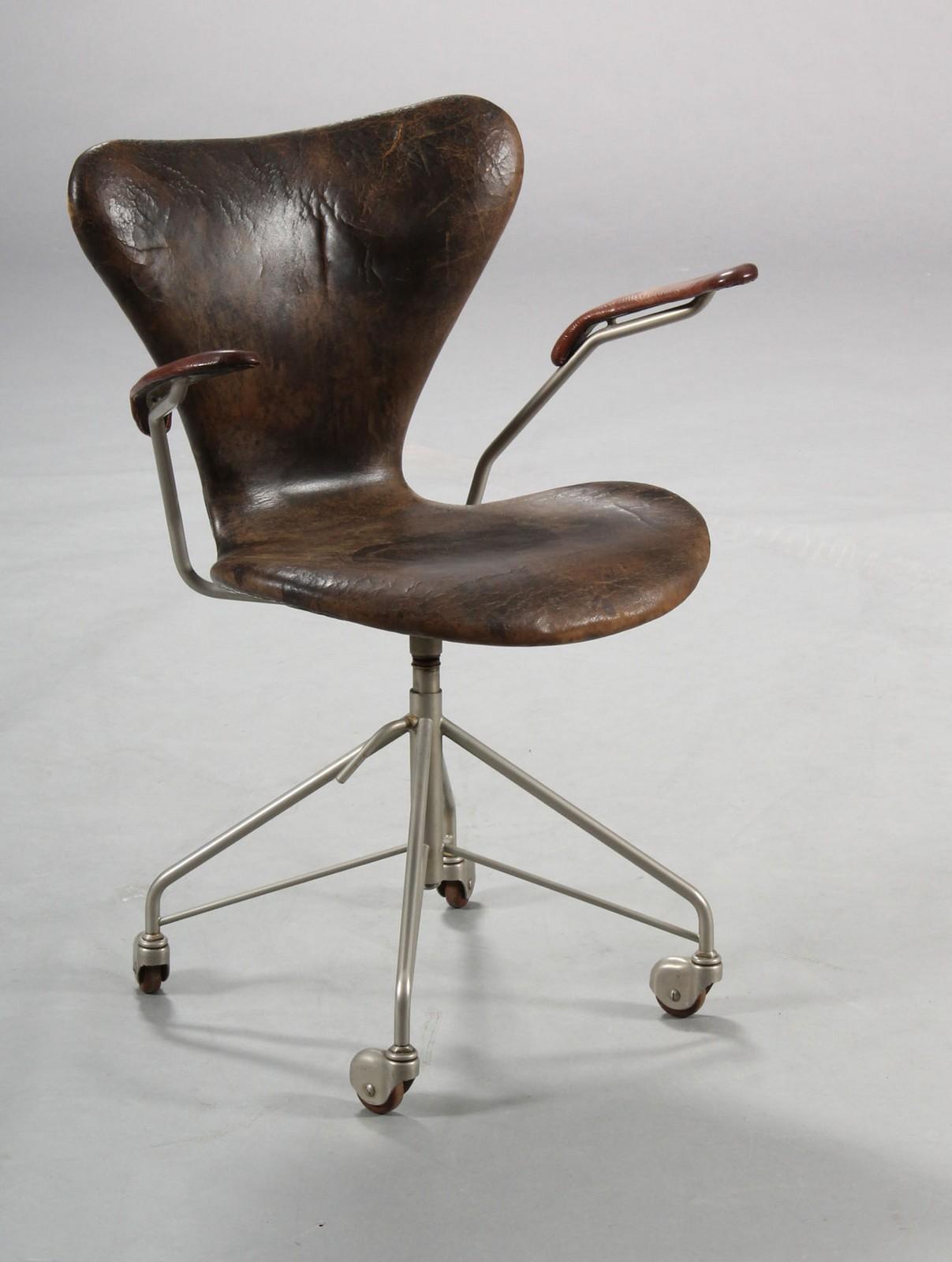 Arne Jacobsen. 7'er kontorstol, model 3217